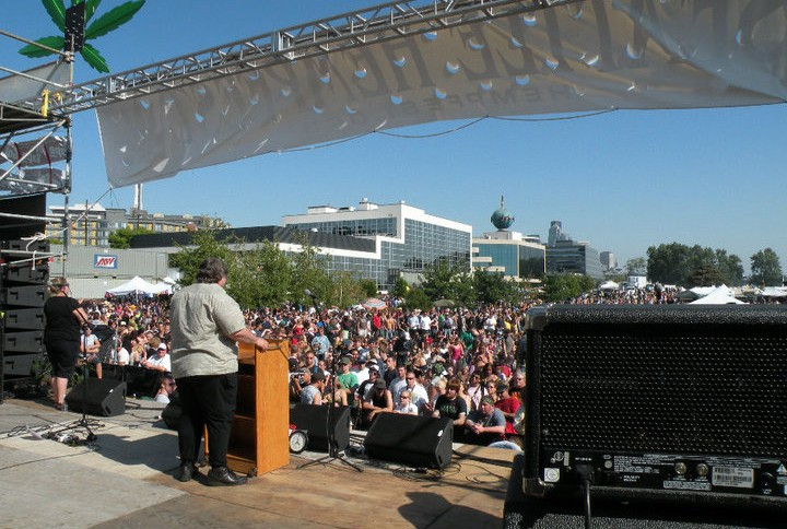 Paul Stanford speaking to a large crowd at the Seattle Hempfest